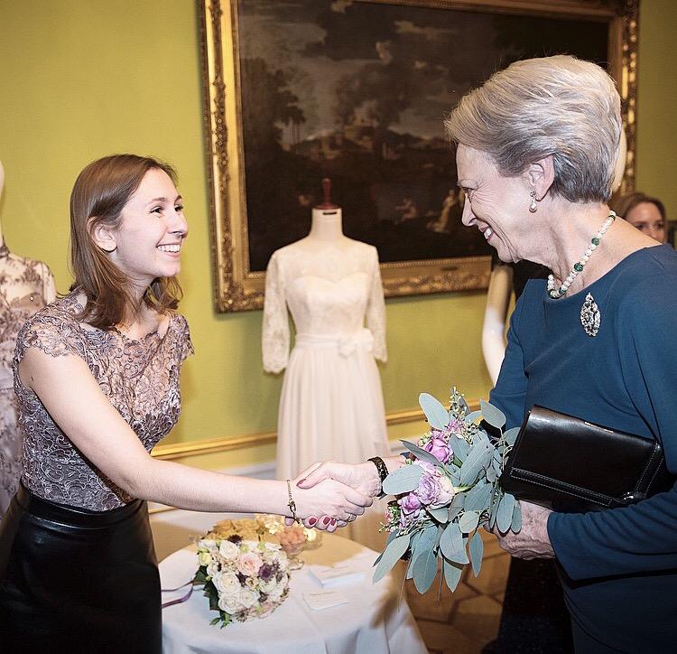 Kaysen Couture deltog i Skrædderlaugets modeshow og udstilling på Moltkes Palæ med prinsesse Benedikte som gæst.